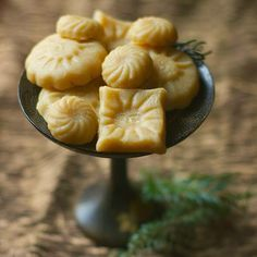 17th Century Almond Ginger 'Bread' from : M'Lady's Book of Household Secrets -- a marzipan with almonds, rosewater and ginger.  Spicy and perfumed and a breeze to make.