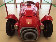 Road Runner, Car In The World, Car Ins, Cool Cars, Ferrari, Antique Cars, Films, Graphics, Facebook