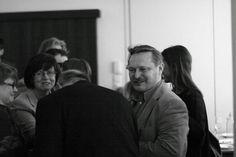 """""""Chrzczonowicz mówiąc o winie mocno stąpa po ziemi, a jednocześnie nie odziera go z emocji"""". Ewa Rybak, Magazyn Wino."""