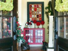 Take a Video Tour of HGTV's Holiday House | Interior Design Styles and Color Schemes for Home Decorating | HGTV