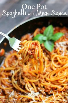 One Pot Spaghetti with Meat Sauce - the perfect simple weeknight meal using only ONE pot! | Domestic Superhero