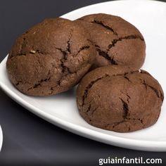El chocolate es una apuesta segura para el postre de los niños, como esta receta infantil de galletas de chocolate sin horno, que resultan ligeras y sanas. Kid Friendly Meals, Biscotti, Muffins, Keto, Lunch, Cookies, Breakfast, Desserts, Food