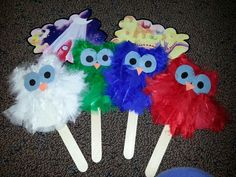 """These are story props based off the book """"The Little White Owl"""" by Tracey Corderoy. First the kids read the book and then they act out the story using the props. The owls are made from paper plates, feathers, and construction paper. Owl Crafts Preschool, Preschool Art Projects, Craft Projects, Crafts For Kids, Baby Owls, Owl Babies, Owl Activities, Kid Activites, Owl Theme Classroom"""