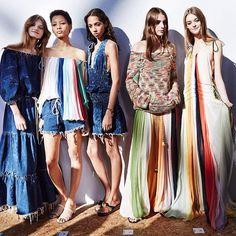 クロエの2016年春夏コレクション。 Chloe 2016SS collection first looks. #pfw #16ss @chloe #chloe @fashiontomax @maximsap @andrewarthur