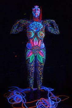 """Artist Gilberta Gibi Bodypainter Modella Sabrina Tormena - Foto Mario Spinazzè - Conegliano (TV) """"Dante Alighieri incontra la Lonza.. dal Primo Canto dell'inferno..."""""""