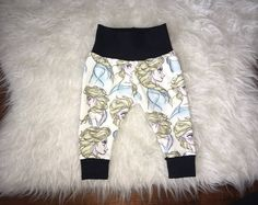 Browse unique items from marysayssew on Etsy, a global marketplace of handmade, vintage and creative goods. Baby Girl Leggings, Handmade Baby, Etsy Seller, Sweatpants, Hoodies, Trending Outfits, Creative, Unique, Vintage