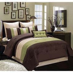 Fashion Street Clemency Comforter Set - Overstock™ Shopping - Great Deals on Fashion Street Comforter Sets Bedroom Colors, Bedroom Sets, Dream Bedroom, Home Decor Bedroom, Master Bedroom, Black Comforter, Queen Comforter Sets, Bedding Sets, Bed Cover Design