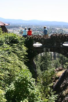 View of the Spokane Valley from Arbor Crest Winery at the historic Cliff House Estates. #MeetInSpokane #WhyHB