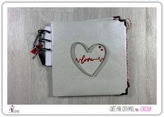 """Cathygel : #Tampons et #matrices de coupe #dies #4enSCRAP """"Duo Minis Coeurs"""" #amour #SaintValentin #Valentinesday #scrapbooking #DIY #loisirscréatifs #carte #carterie Mini Albums, Avant Premiere, Tampons, Scrapbooking Diy, Coin Purse, Mini Heart, Minis, Book Binding, Love"""