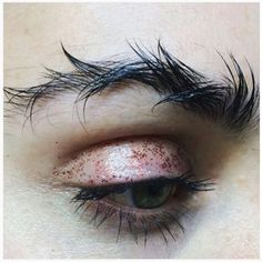 Barbed Wire Brows Are The Latest Eyebrow Trend To Hit Instagram