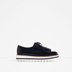 Image 4 of FRINGED FLAT SHOES from Zara