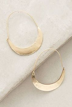 Supernatural Style | https://pinterest.com/SnatualStyle/ Crescent Hoops