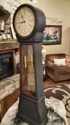 This is 2 coats of Graphite Annie Sloan chalk paint finished off with dark wax. Painted Furniture, Clock, Clock Painting, Grandfather Clock, Grandmother Clock, Paint Furniture, Repurposed Grandfather Clock, Annie Sloan Painted Furniture, Chalk Paint Finishes