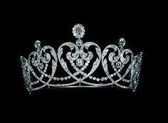 Cartier Tiaras | Platinum and diamond Tiara with millegrain placement, specially made for the Countess of Moy, the Cartier jewelry company in 1909