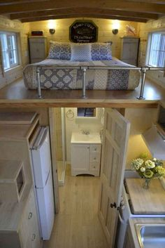 70 Amazing Loft Stair for Tiny House Ideas - Wholehomekover L. 70 Amazing Loft Stair for Tiny House Ideas – Wholehomekover Living in a loft o Tiny House Loft, Best Tiny House, Tiny House Plans, Tiny House Design, Tiny House On Wheels, Tiny Loft, Shed To House, Tiny Home Floor Plans, Garage House