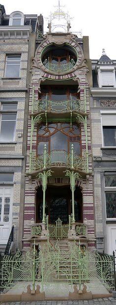 bruxelles 11 square ambiorix - art nouveau metalwork