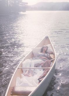 re-enacting the lady of shalott. {54}