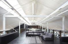 Saatchi & Saatchi / Smart Design Studio