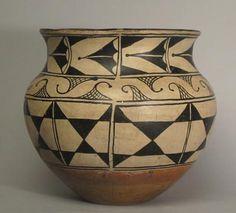 Santa Domingo, 1910s Native American Totem, Native American Baskets, Native American Pottery, Native American Indians, Southwest Pottery, Pueblo Pottery, Terracota, Wow Art, Gourd Art