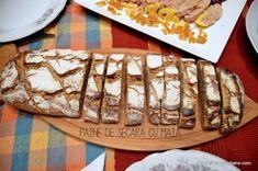 Bufet suedez - idei de preparate reci festive   Savori Urbane Prosciutto, Butcher Block Cutting Board, Apple Pie, Bread, Desserts, Home, Tailgate Desserts, Deserts, Brot