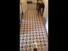 Ceramic tile design that can be replicated in marmoleum.