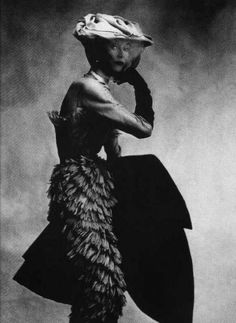 Lisa Fonssagrives by Irving Penn for Balenciaga, 1950