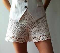 Ravelry: glisteningsnow's Cynthia - floral lace shorts