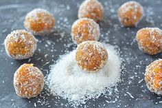 Amazingly delicious no cook apricot energy bites is gluten-free and vegan. A perfect sugar-free snack made with flax seeds, healthy nuts and desiccated coconut! Healthy Cake, Healthy Snacks For Kids, Healthy Baking, Recipes Appetizers And Snacks, Raw Food Recipes, No Bake Energy Bites, Energy Balls, Dhokla Recipe, On The Go Snacks