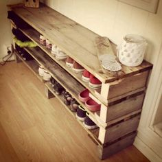Pallets for organizing your shoes...great shoe rack!!