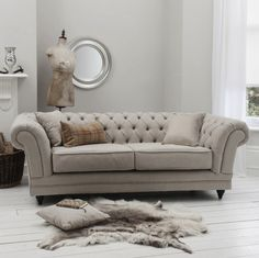 Tiffany Linen Buttoned Chesterfield Sofa