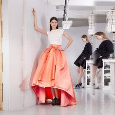 Cheap Naranja falda asimétrica arco alto bajo falda larga hasta los pies por encargo de la alta calidad, Compro Calidad Faldas directamente de los surtidores de China: