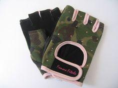 Femme Fitale Fitness Gloves by Femme Fitale Fitness, http://www.amazon.com/dp/B006EQ7X36/ref=cm_sw_r_pi_dp_LRsZrb072YG0F