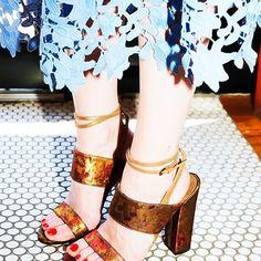 Stylist extraordinaire @sarahslutsky wears the #PaulAndrew XIAMEN sandal in Constantinople Brocade 📸 @manrepeller