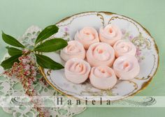 Haniela's: Swiss Meringue Ribbon Roses