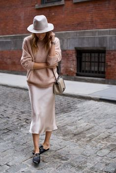 Slip dress oversized sweater pink sweater fedora Gucci backless loafers Cha - Chanel Dresses - Trending Chanel Dress for sales - Slip dress oversized sweater pink sweater fedora Gucci backless loafers Chanel boy bag Rosa Pullover, Oversize Pullover, Mode Outfits, Skirt Outfits, Winter Outfits, Winter Dresses, Spring Outfits, Basic Fashion, Look Fashion