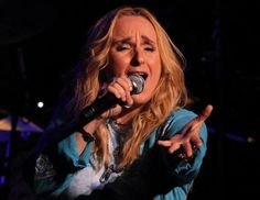 Melissa Ethridge   her music and her voice are so amazing <3