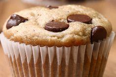 Aprenda a fazer o muffin de banana com gotas de chocolate: | As crianças vão adorar estes muffins de banana com gotas de chocolate