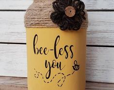 Exceptional mason jar projects are offered on our internet site. Check it out and you wont be sorry you did. Diy Mason Jar Lights, Rustic Mason Jars, Mason Jar Lighting, Mason Jar Diy, Mason Jar Crafts, Chalk Paint Mason Jars, Painted Mason Jars, Mason Jar Projects, Diy Hanging Shelves