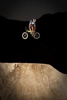 Amazing #BMX shot. Where's your local dirt park?