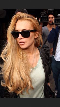 Lindsay lohan amazing hair color caramel amazing blonde. can't stand her but love the hair. Blonde Balayage, Blonde Highlights, Blonde Hair, Ray Bans, Christina Milian, Ray Ban Sunglasses, Sunglasses Outlet, Nice Sunglasses, Sunglasses Price