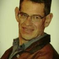 Gabriel Alfonso Revollo Thenier (La Paz, Bolivia; 20 de febrero de 1959) es un violinista, compositor y director boliviano, uno de los principales impulsores de la música clásica en Bolivia.  Índice  [mostrar]  Biografía[editar] Inició sus estudios en el Conservatorio Nacional de Música de Bolivia, actualmente denominado Conservatorio Plurinacional de Música, posteriormente se graduó en la Universidad de Mount Union en Ohio. Recibió lecciones de violin con Helen Kwalwasser y de composición…