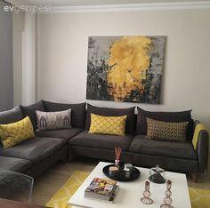 diet Beng hanmn modern stilin hakim olduu konforlu evinde, sade mobilyalar hareketlendiren scak renkli ve geometrik desenli aksesuarlarla, canl ve dinamik bir grnm elde edilmi. Salonunda sar ve Home Living Room, Interior Design Living Room, Living Room Designs, Living Room Decor, Bedroom Decor, Grey And Yellow Living Room, Living Room Color Schemes, Simple Furniture, Eclectic Design