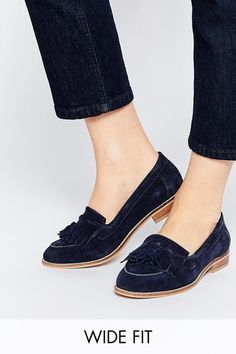 ec00fda5e37e 31 Legitimately Cute Shoes For Ladies With Wide Feet Navy Shoes