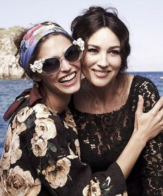 We can be sure at least to the Dolce & Gabbana that the eyewear collection of Spring / Summer 2013 is extremely attractive and flirtations