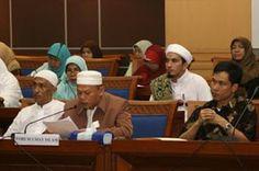 Pansus RUU Pemberantasan Tindak Pidana Terorisme Bersama DPR RI LSM dan Ormas-ormas Islam.  I. FAKTA-FAKTA. Melaporkan pada Selasa tanggal 31 Meil 2016 pukul 11.05 s.d 13.00 WIB bertempat diruang rapat Badan Anggaran (Banggar) di Gedung Nusantara I DPR/MPR RI berlangsung audensi Pansus RUU tentang Pemberantasan Tindak Pidana Terorisme DPR dengan ICMI (Ikatan Cendikiawan Muslim Indonesia) Forum Rektor UIN Forum Pengasuh Pesantren LPPMI Askobi Frant Pembela Islam (FPI) Aliansi Indonesia Damai…
