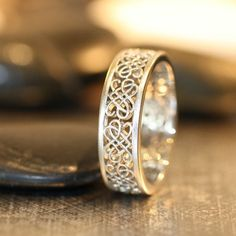 beautiful celtic wedding ring