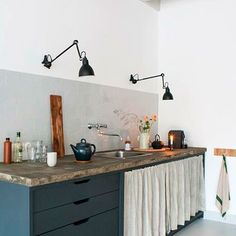 The fabulous studio of an interior designer (my scandinavian home) Modern Kitchen Design Designer Fabulous Home interior Scandinavian Studio New Kitchen, Kitchen Dining, Kitchen Decor, Kitchen Ideas, Kitchen Modern, Kitchen Rustic, Kitchen Industrial, Kitchen Lamps, Kitchen Layout