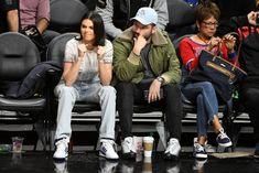「kendall jenner dress sneaker」的圖片搜尋結果