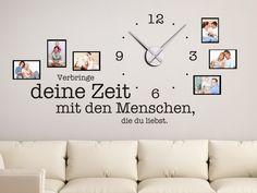 Fotorahmen Wandtattoo Uhr Verbringe deine Zeit... im Wohnzimmer