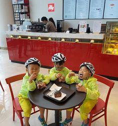 운동마치고 아이스크림! (실시간ㅋㅋㅋ) Ice cream after exercise! (A real time ㅋㅋㅋ)